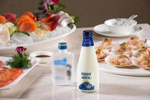 玻璃瓶包装冰酸乳